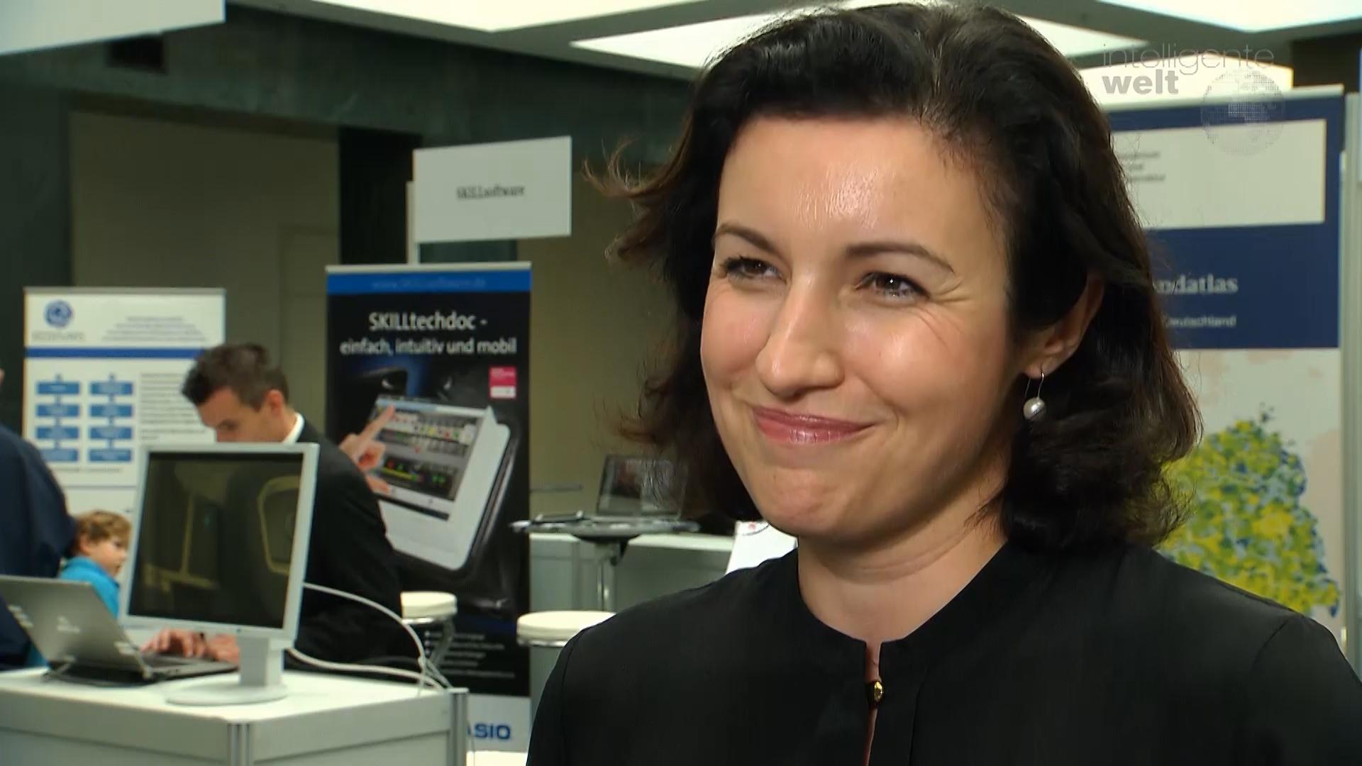 Wege in die digitale Zukunft: Dorothee Bär im Interview für die Intelligente Welt