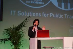 Andrea Söhnchen von UITP bei ihrer Keynote