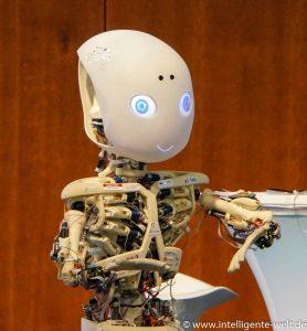 Roboy der Roboter Co-Moderator bei Digitale Zukunft Mittelstand