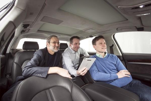 Die Softwarelösungen von Harald Popp, Oliver Hellmuth und Jan Plogsties erzeugen in Fahrzeugen und mit mobilen Endgeräten 3D-Surround-Sound. (C) Fraunhofer IIS