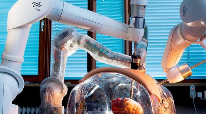 Medizinroboter: Dr. Roboter, bitte zur OP!