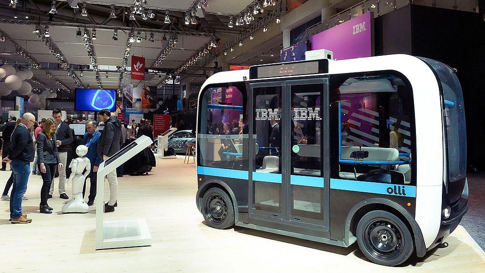 """Im autonomen Kleinbus """"Olli"""" von Local Motors dient IBMs KI-Plattform Watson als Ansprechpartner für die Passagiere."""