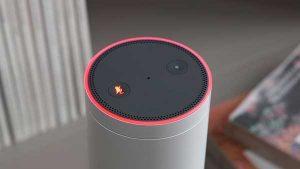 Praktisch alle vernetzten Lautsprecher mit Spracherkennung eine Stummschaltungs-Taste, die die Tonaufzeichnung unterdrückt