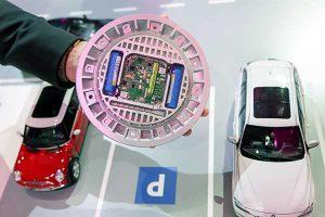 Die Smart-Parking-Sensoren erkennen, ob ein Parkplatz durch ein Auto belegt ist, und melden diese Information per Narrowband-IoT an den Server.