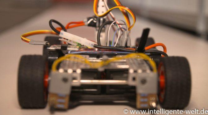 Autonomes Fahren im kleinen Stil – intelligente Fahrzeuge beim NXP-Cup