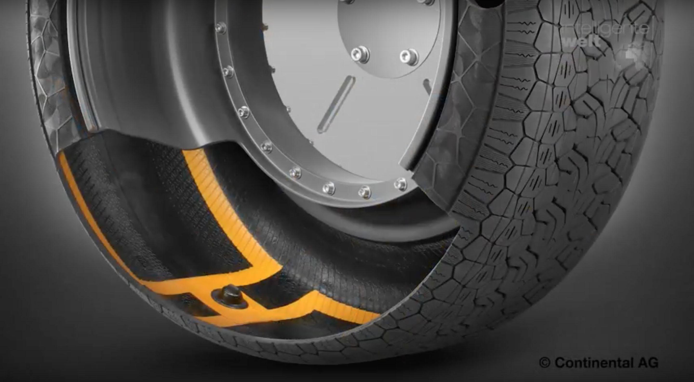 Beim ContiSense von Continental überwacht eine elektrisch leitfähige Gummimischung die Unversehrtheit der Reifenoberfläche.