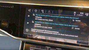 Im Auto lässt sich die Zielauswahl aus dem Backend direkt ins Onboard-Navigationssystem übernehmen.