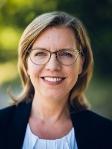 Leonore Gewessler, Bundesministerin für Klimaschutz, Umwelt, Energie, Mobilität, Innovation und Technologie der Republik Österreich. Und eine Frau in Führungsposition, die wir zum Weltfrauentag gerne noch einmal zu Wort kommen lassen wollen.